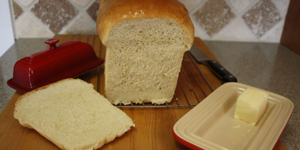 Homemade Sandwich Bread - This recipe has never failed me. Fluffy, soft, tender and lasts for 5 days. Perfect for sandwiches or toast.