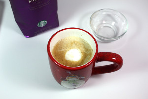 Copycat Holiday Spice Flat White - Christmas in a cup! Now you can make your own at home! #holidayspice