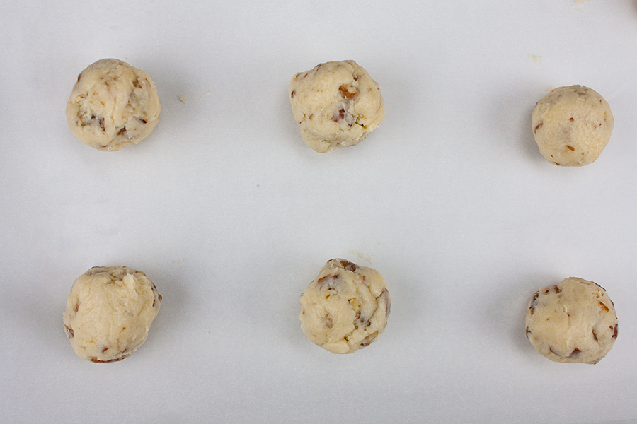 Italian Butterball Cookies - Tender, melt in your mouth deliciousness!