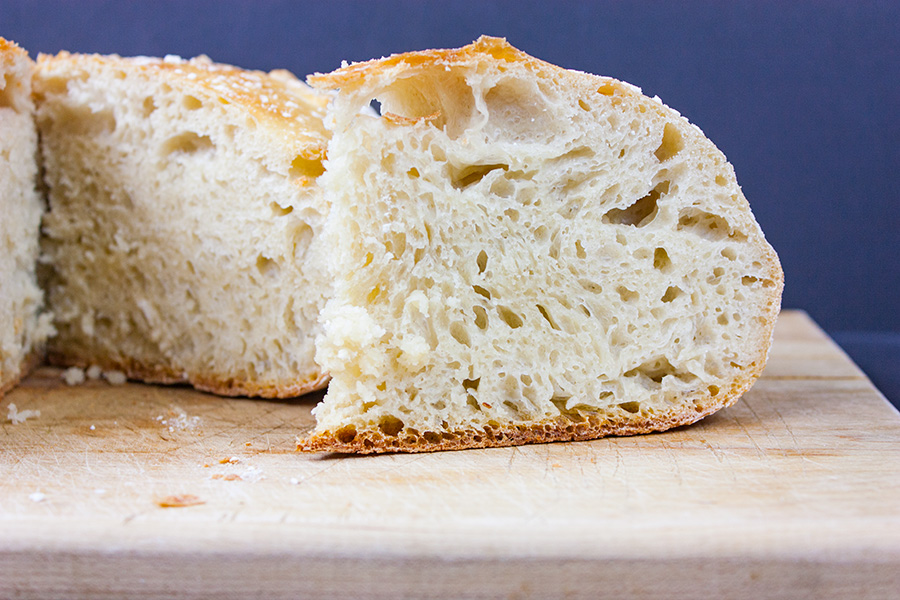 No Knead Large Dutch Oven Bread - This recipe is perfect for those of us who only own a 5-6 quart dutch oven. The bread rises tall, crispy and crazy good!