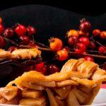 apple pie slice on white plate